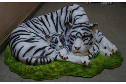 Фигура Крышка на люк *Тигры альбиносы* - интернет-магазин Крассула