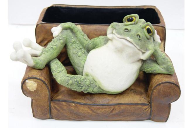 Фигура Зоокашпо Лягушка в кресле - интернет-магазин Крассула