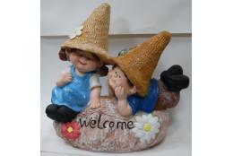 Фигура Девочка с мальчиком на камне