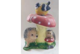 Фигура Гриб мухомор с ежами и птичкой