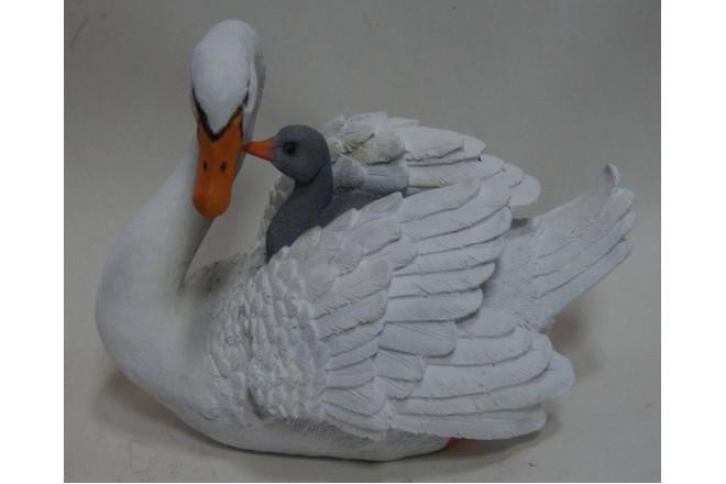 Фигура Лебедь с птенцом - интернет-магазин Крассула