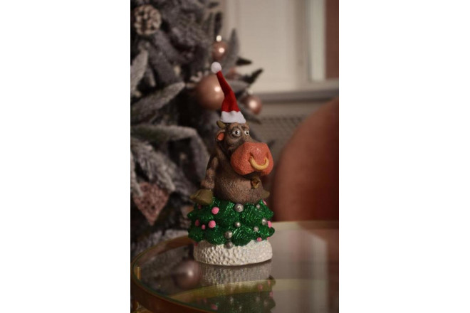 Фигура Новогодний бычок в ёлке - интернет-магазин Крассула