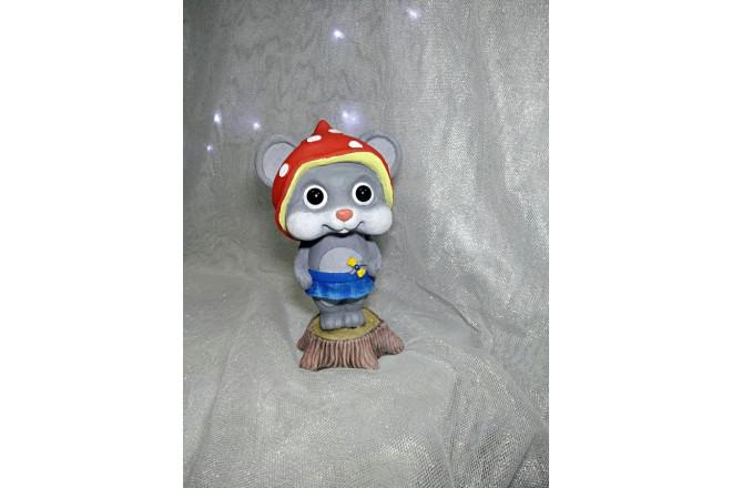 Фигура Мышка Валя на пеньке  - интернет-магазин Крассула