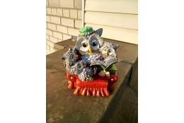 Садовая фигура Совушка с совятами в кресле