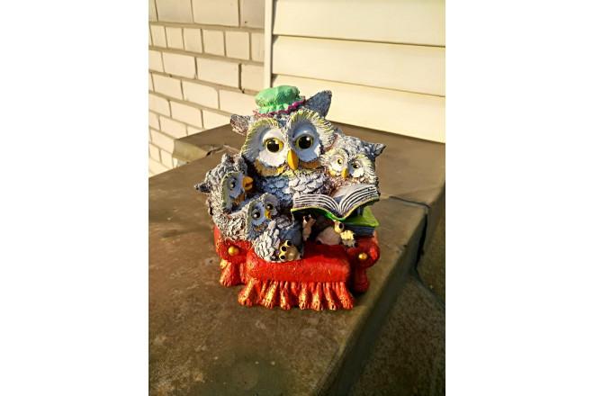 Садовая фигура Совушка с совятами в кресле - интернет-магазин Крассула