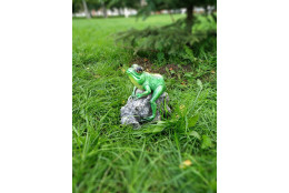 Фигура Лягушка на камне
