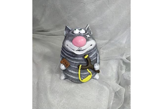 Фигура Кот с рогаткой - интернет-магазин Крассула