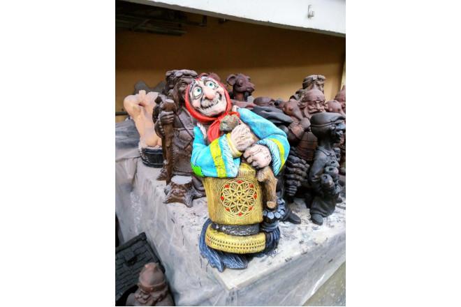 Садовая фигура  Баба-Яга в ступе - интернет-магазин Крассула